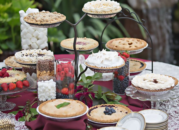 Wedding Pie | OH! Snap Photography | As seen on TodaysBride.com