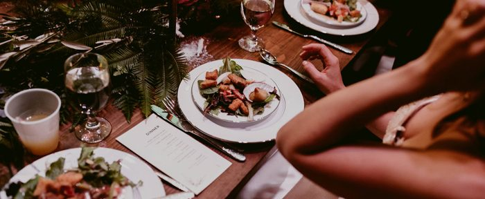 QUIZ: What Dinner Service Should You Have at your Wedding?