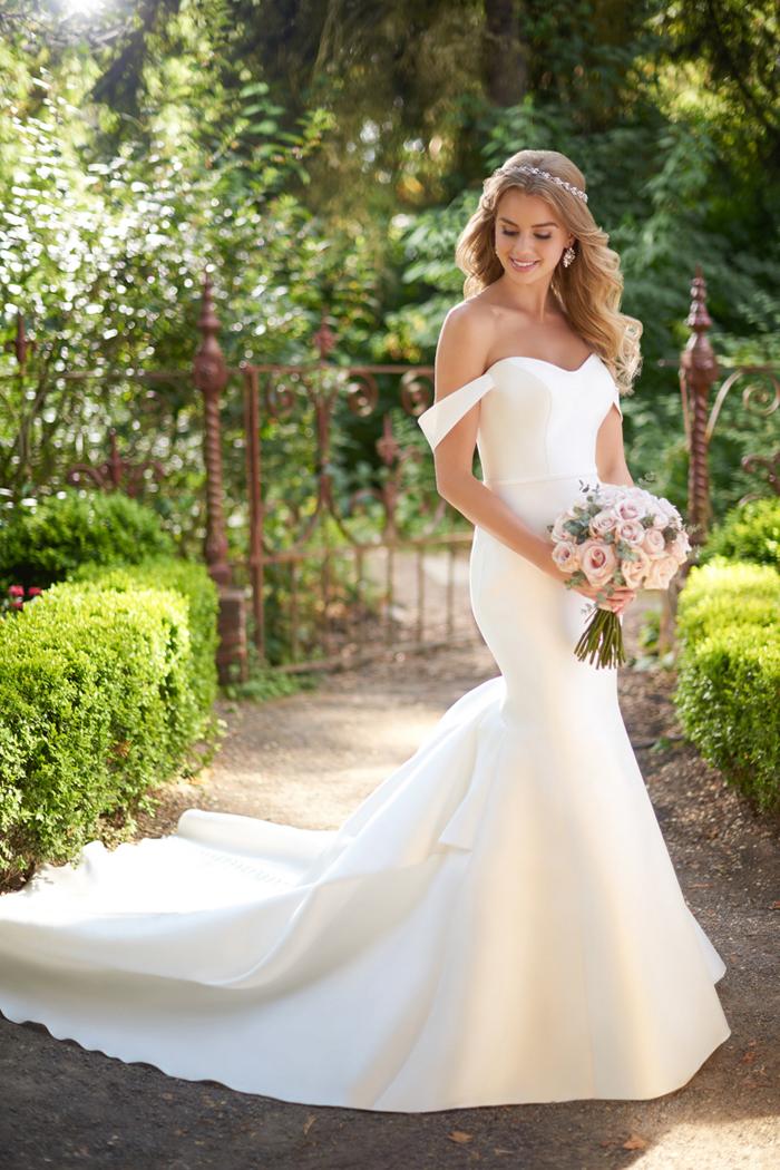 Minimalist Wedding | Martina Liana | As seen on TodaysBride.com