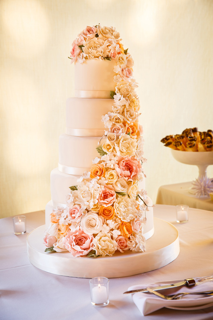Wedding Cake Topper | Genevieve Nisly Photography | As Seen on TodaysBride.com