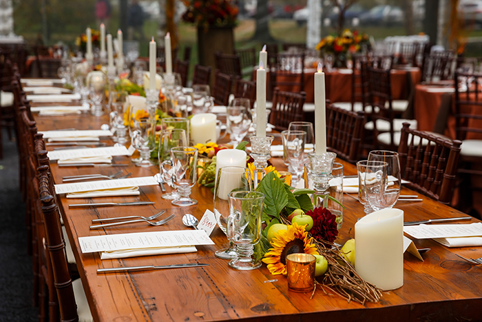 Jennifer & John - A Modern Fall Wedding | Genevieve Nisly Photography | TodaysBride.com Real Ohio Weddings, Fall wedding, fall wedding ideas, fall wedding colors, centerpieces