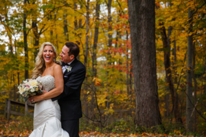 Jennifer & John - A Modern Fall Wedding | Genevieve Nisly Photography | TodaysBride.com Real Ohio Weddings, Fall wedding, fall wedding ideas, fall wedding colors,