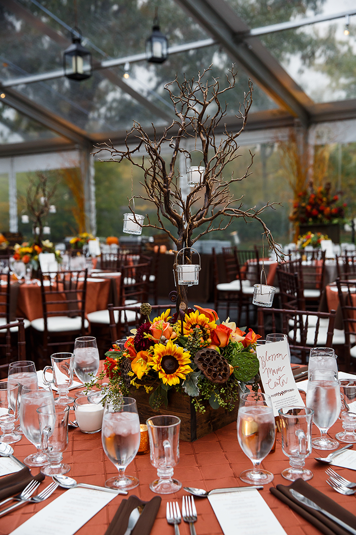 Jennifer & John - A Modern Fall Wedding | Genevieve Nisly Photography | TodaysBride.com Real Ohio Weddings, Fall wedding, fall wedding ideas, fall wedding colors, fall centerpieces