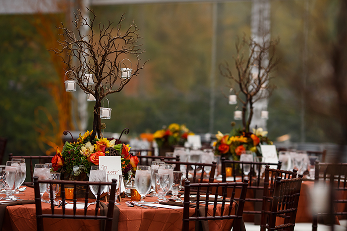 Jennifer & John - A Modern Fall Wedding | Genevieve Nisly Photography | TodaysBride.com Real Ohio Weddings, Fall wedding, fall wedding ideas, fall wedding colors, fall centerpieces, woodland centerpieces