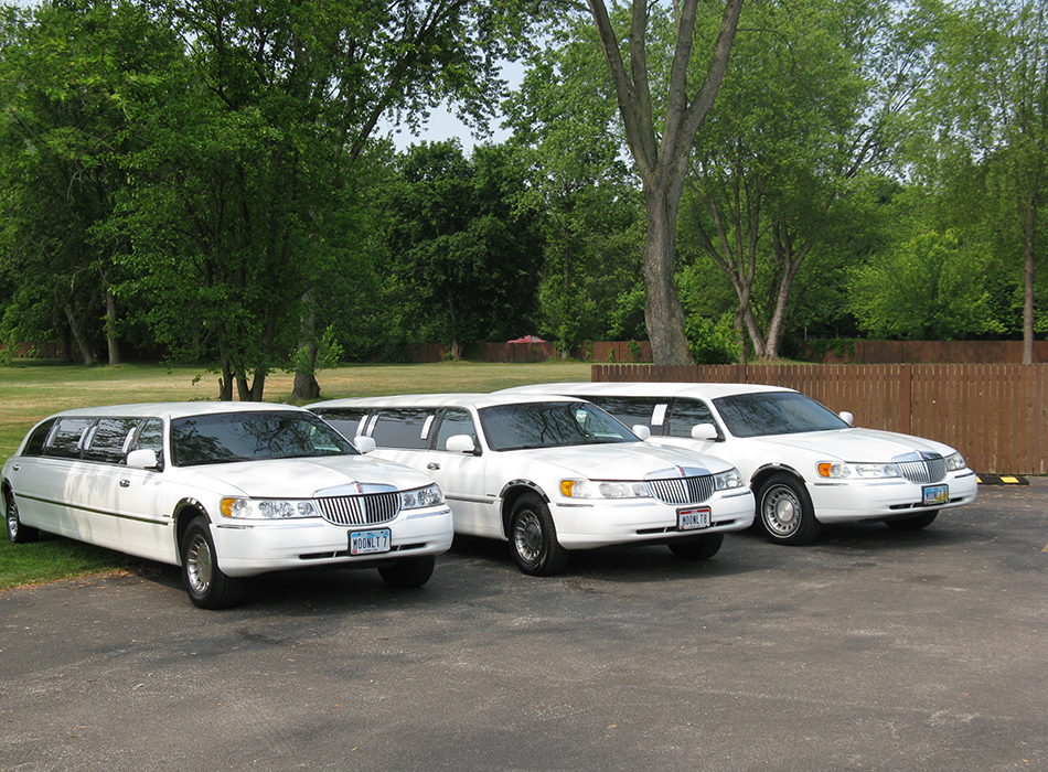 Moonlite Limo Service | As Seen On TodaysBride.com