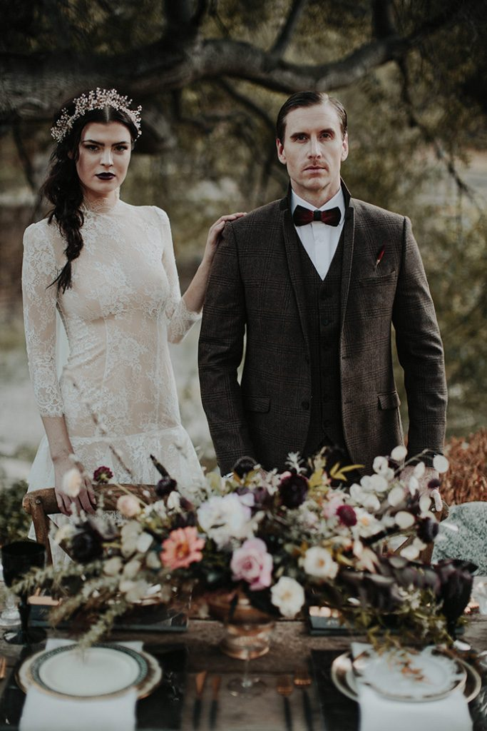 Dark and moody halloween wedding inspiration, halloween wedding, fall wedding, gothic wedding inspiration