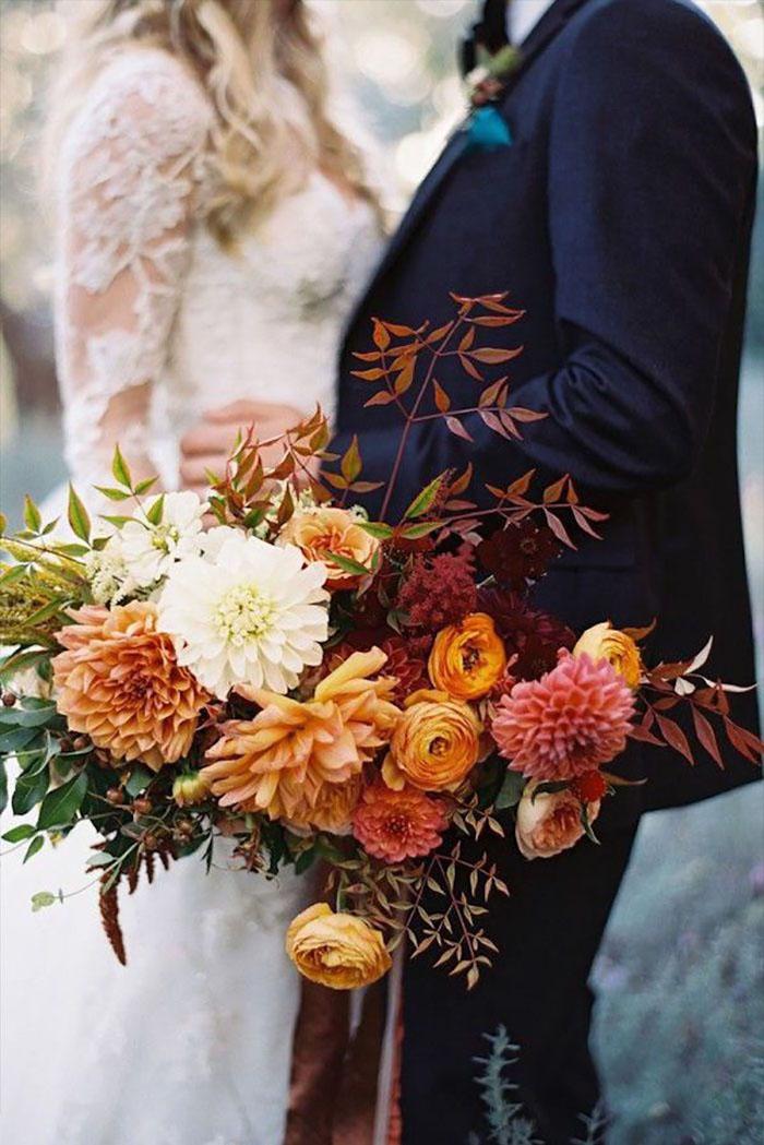 Fall Wedding Bouquet | Tec Petaja Photography | As seen on TodaysBride.com