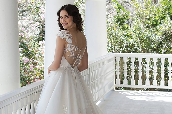 wedding gowns Archives – Today\'s BrideToday\'s Bride