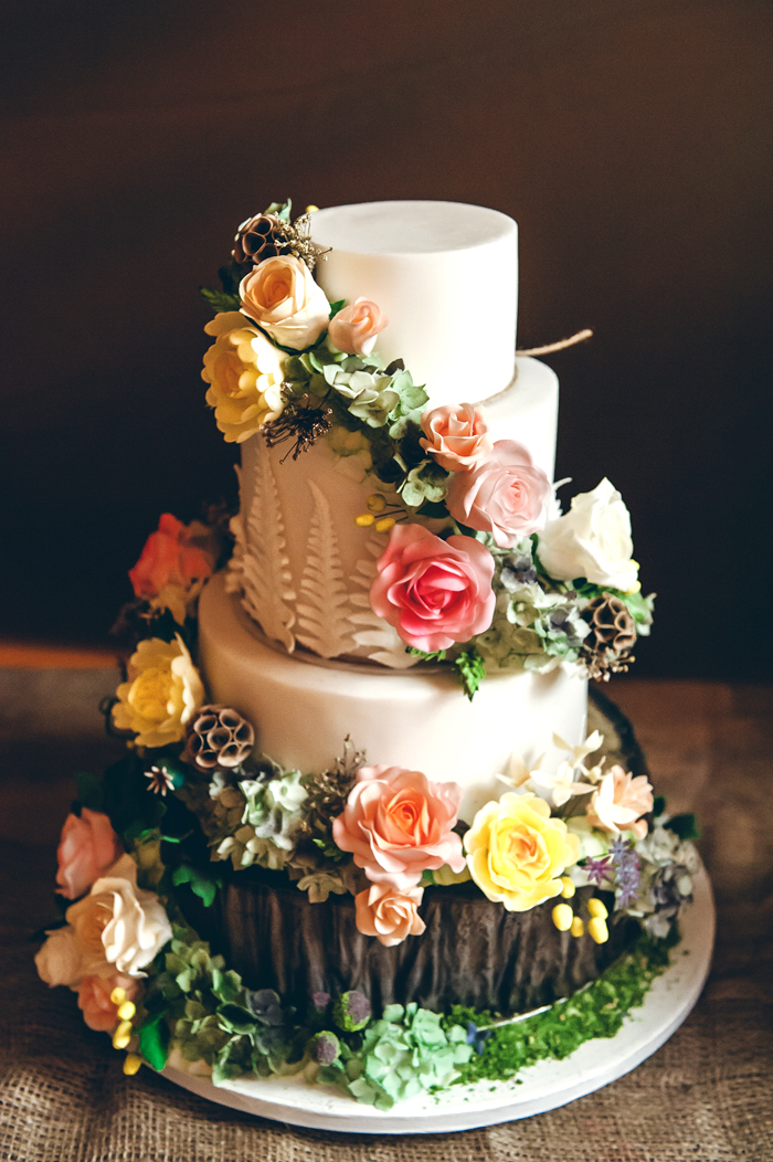 Wedding Cakes | Lisa Howard Photography | As seen on TodaysBride.com