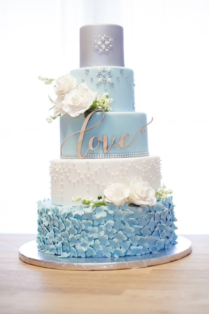 Wedding Cake | Sara Ashley Photography | As seen on TodaysBride.com