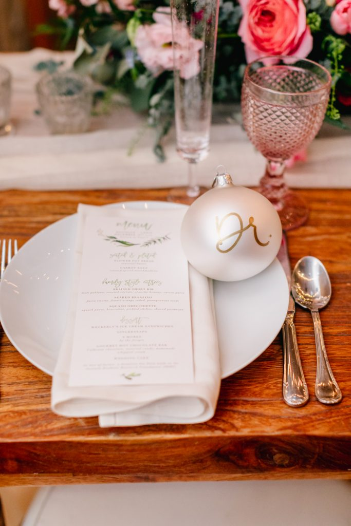 Christmas Wedding | Emily Wren Photography | As seen on TodaysBride.com
