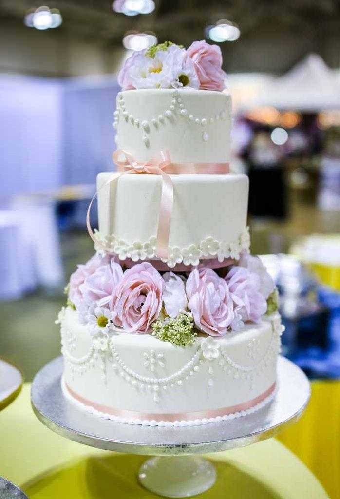 Cake Design | Jay Kossman Photography  | As seen on TodaysBride.com