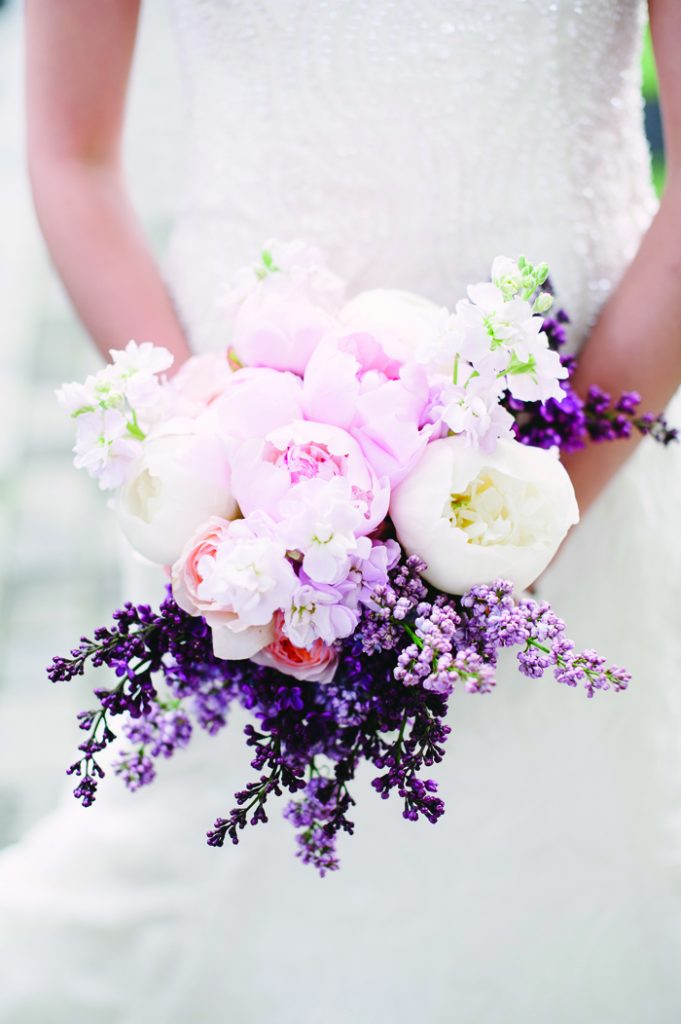 Wedding Flowers | Brklyn View Photography | As seen on TodaysBride.com