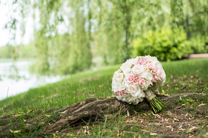 Bouquet | Sabrina Hall Photography | As seen on TodaysBride.com