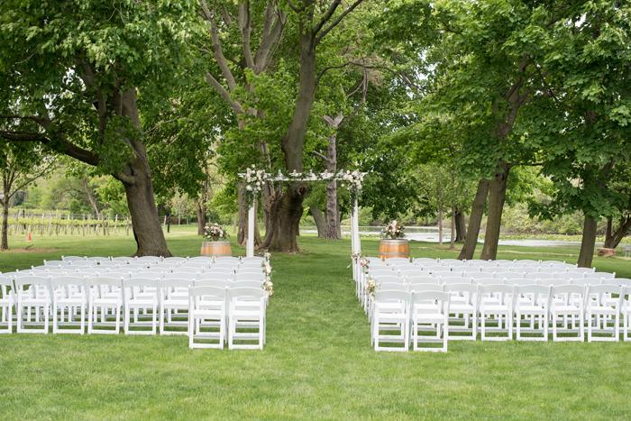 Wedding Ceremony | Sabrina Hall Photography | As seen on TodaysBride.com