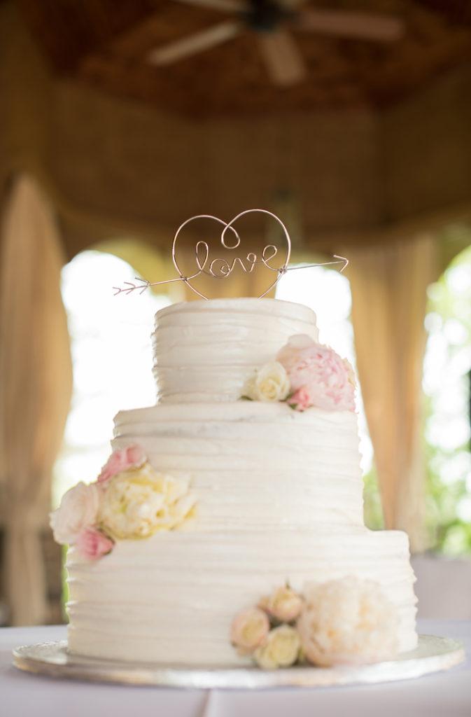 Wedding Cake | Sabrina Hall Photography | As seen on TodaysBride.com