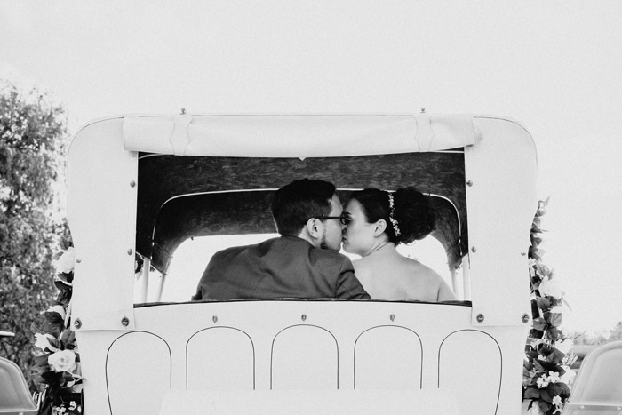 Horse Drawn Carriage | Jadie Foto | As seen on todaysbride.com