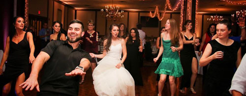 Dancing | Dustin John DJ | As seen on TodaysBride.com