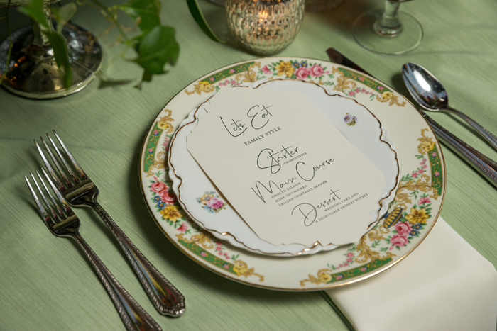 Table Setting | OH Snap! Photography | As seen on TodaysBride.com
