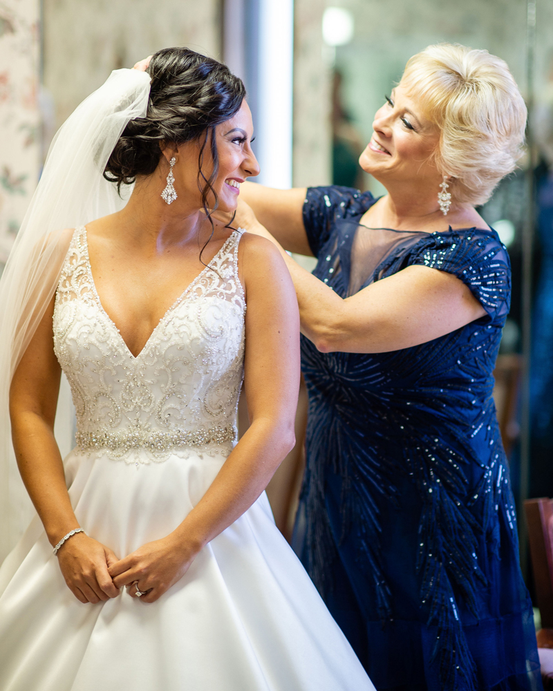 Mother Daughter Getting Dressed | Klodt Photography | as seen on TodaysBride.com