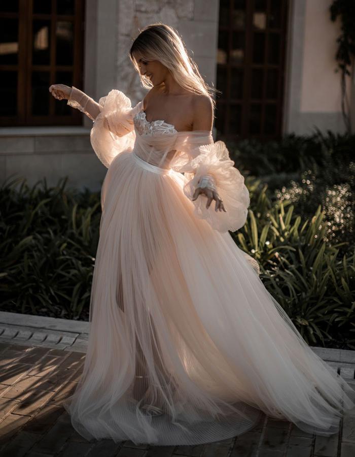 Tali Photography | Cottagecore Wedding Trend | TodaysBride.com